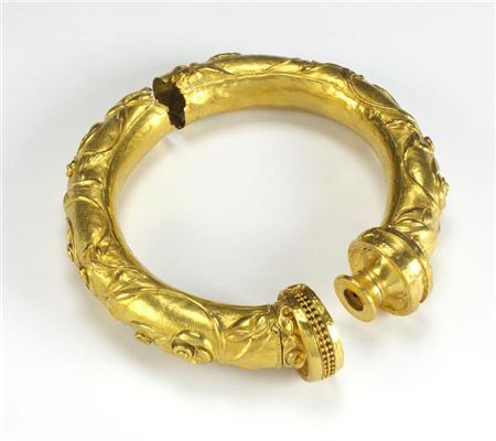 The buffer torc (National Museum of Ireland)